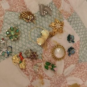 Vintage brooches 1920s